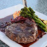 Steak angerichtet